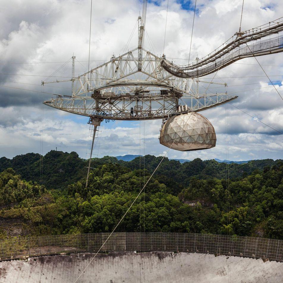 El icónico radiotelescopio de Puerto Rico será demolido