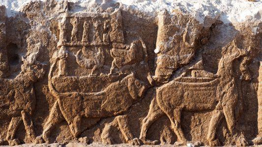 Descubren en Irak grabados asirios «extraordinarios»