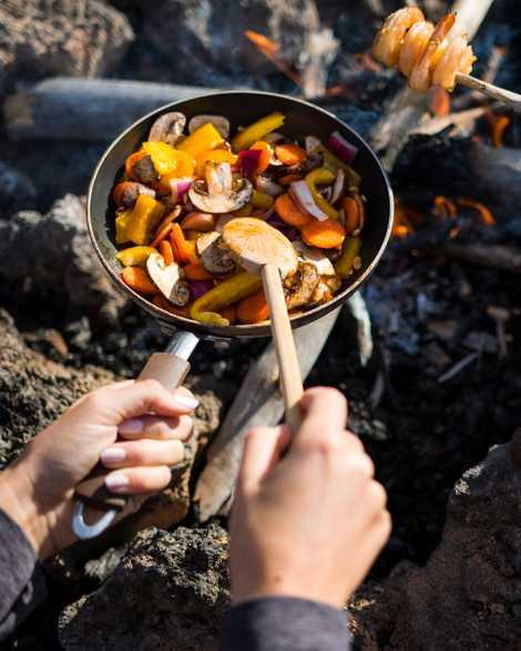 Los utensilios de cocina reutilizables y ecológicos son perfectos para las acampadas o para comer rápidamente ...