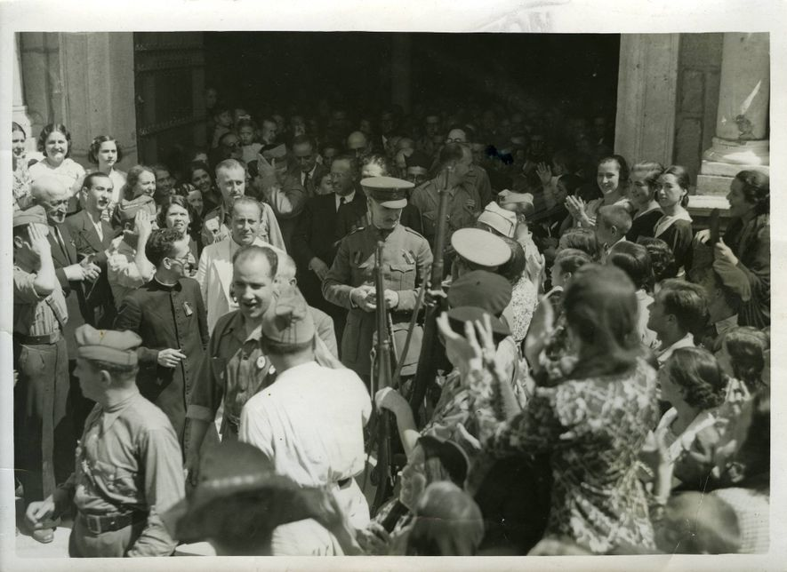 El general Queipo de Llano en Utrera.