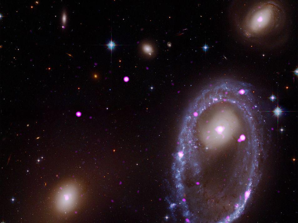 La NASA capta el resultado de la colisión de dos galaxias espirales