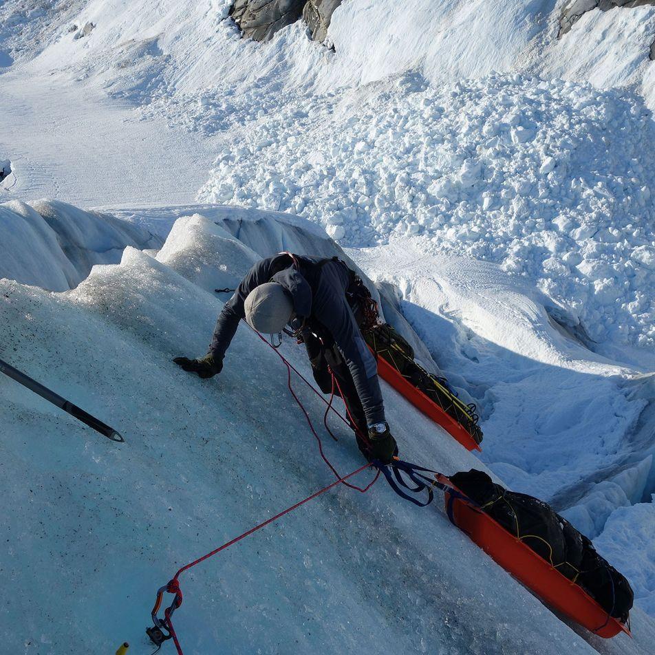 Este explorador polar esquía por el Ártico para mostrar cuánto hielo ha desaparecido