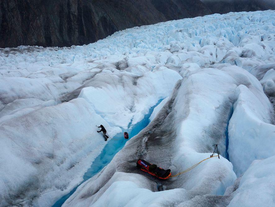 Ambos han tenido dificultades a la hora de atravesar la capa de hielo de Stikine. La ...