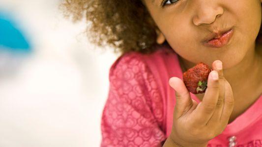 ¿Qué alimentos estimulan el desarrollo cerebral en niños?