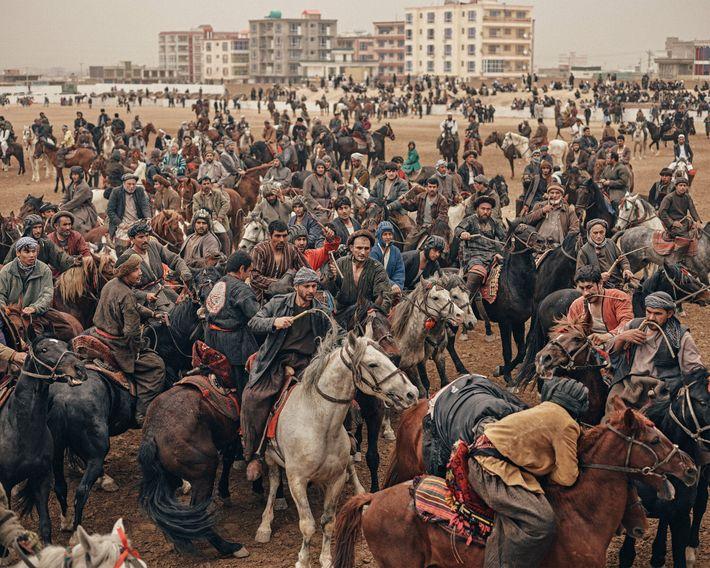 Los jinetes en un partido el día de Nawroz