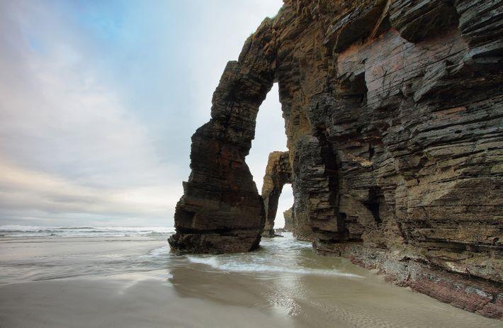 Imagen de la playa de las Catedrales en Ribadeo, España