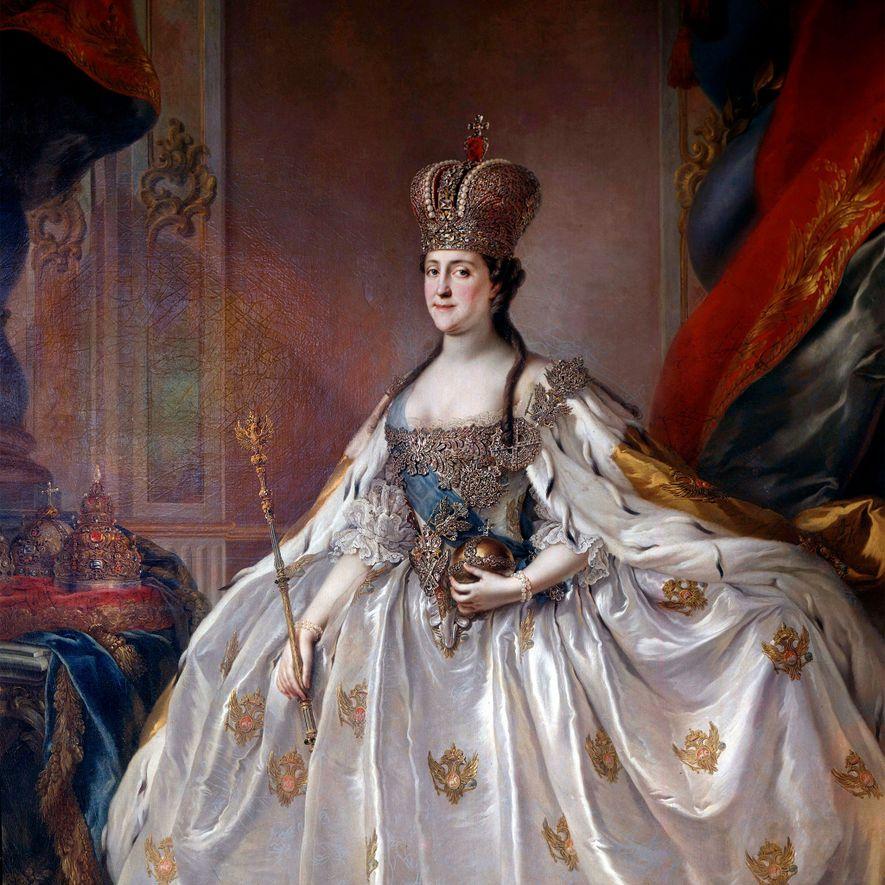Un retrato de Catalina la Grande con su traje de coronación tras arrebatarle el trono a ...