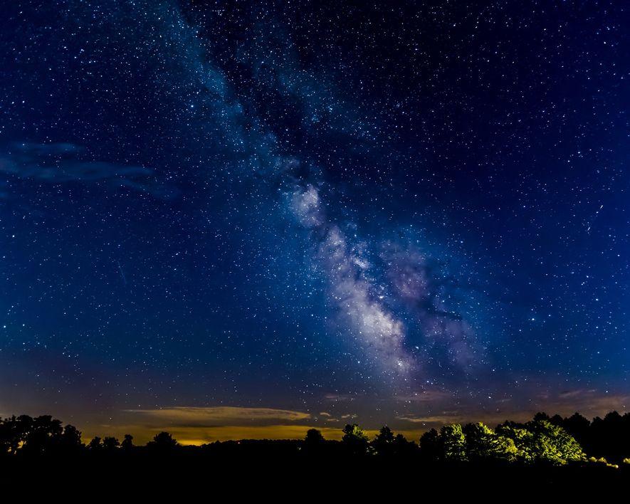 En el parque estatal Cherry Springs, Pensilvania, se celebran fiestas de observación de estrellas para familias.
