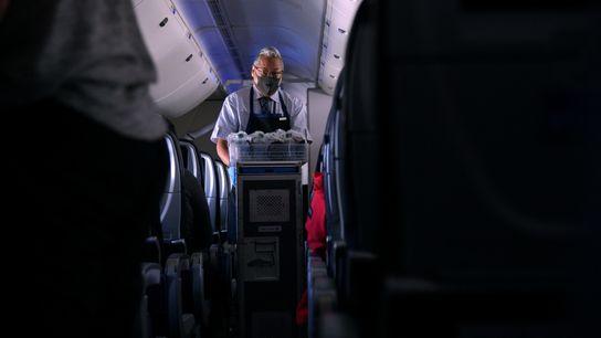 Fotografía de un auxiliar de vuelo