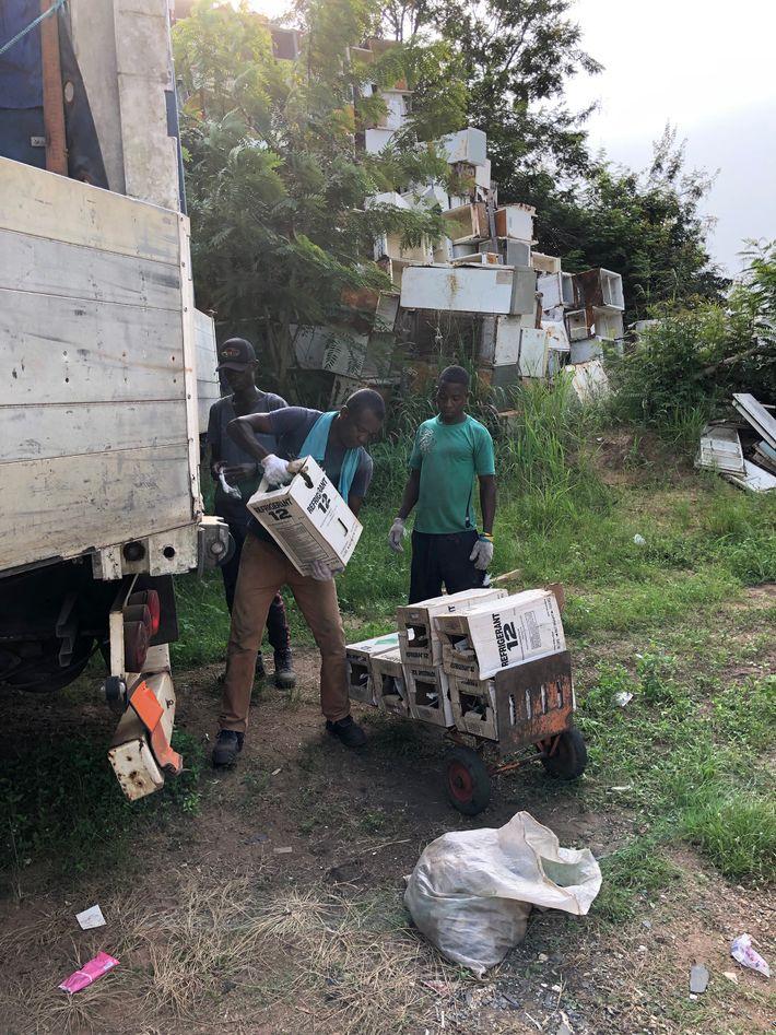 Los empleados de City Waste Recycling