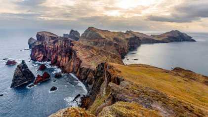 Disfruta de los paisajes, la naturaleza y el vino de Madeira
