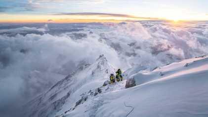 ¿Qué cuesta más que encumbrar el Everest? Hacer que los escaladores vuelvan a respetarlo