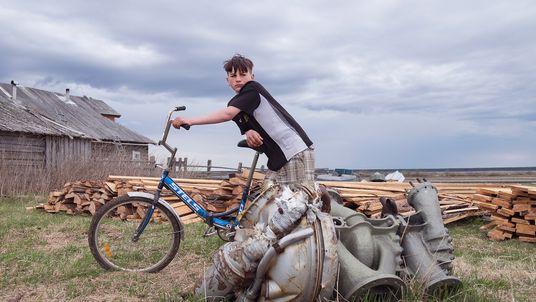 El reciclaje de partes de cohetes: una peligrosa forma de ganarse la vida en Rusia