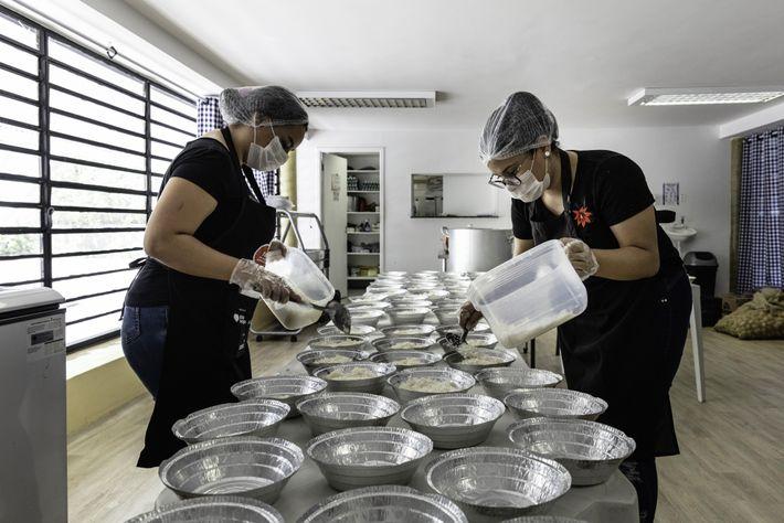 Voluntarias de la Asociación de Mujeres de Paraisópolis