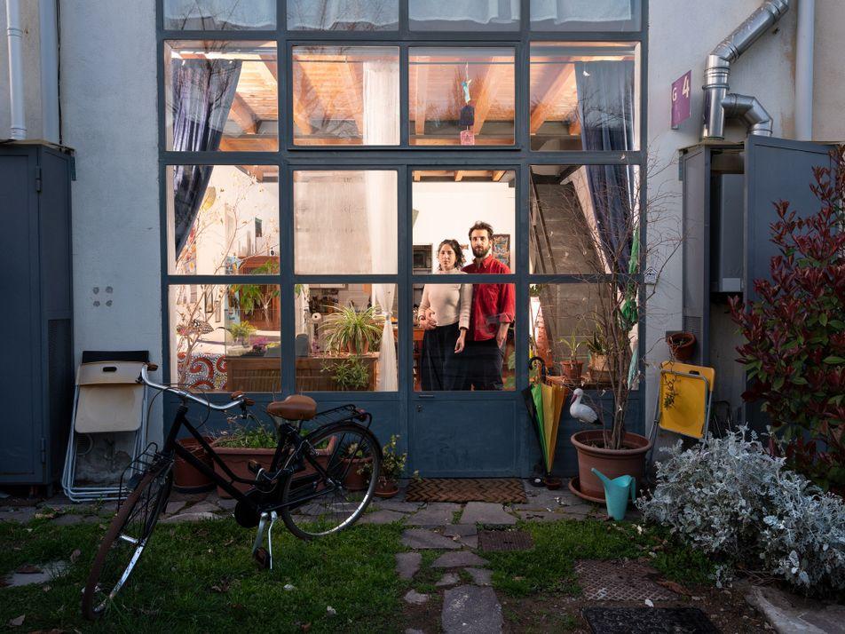 Los residentes de Milán afrontan la vida en aislamiento en una Italia paralizada por el coronavirus