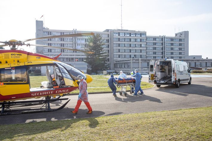 Paciente trasladado en helicóptero