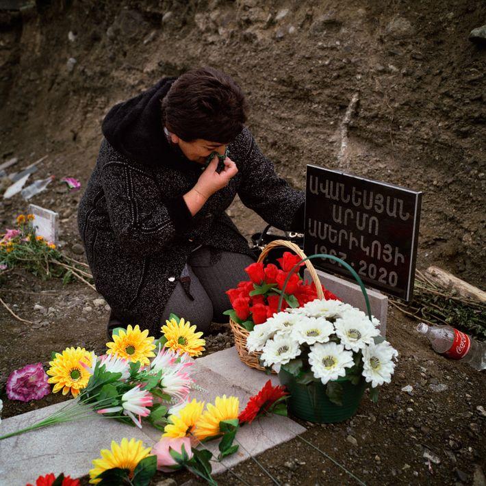 Arevik Aranesyan llora a su marido