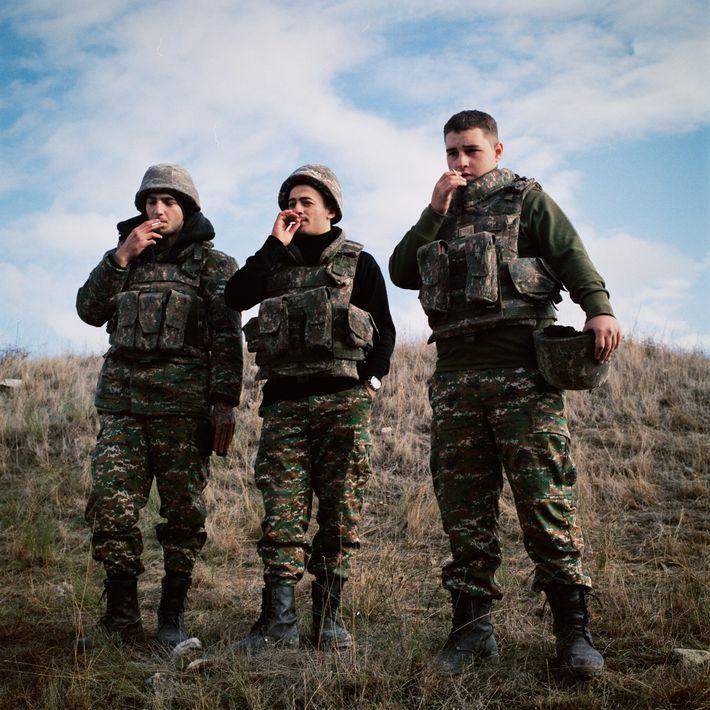 Vrezh Tamamyan, Harutyun Petrosyan y Gevorg Khachatryan