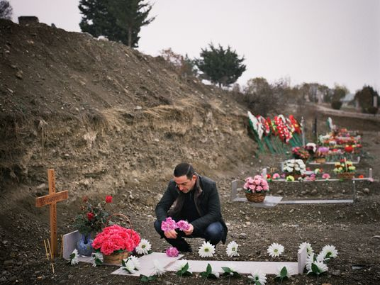 En Nagorno Karabaj, las personas afrontan las consecuencias de la guerra y la COVID-19