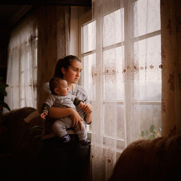 Lili Gabrielyan y su hijo, Suren