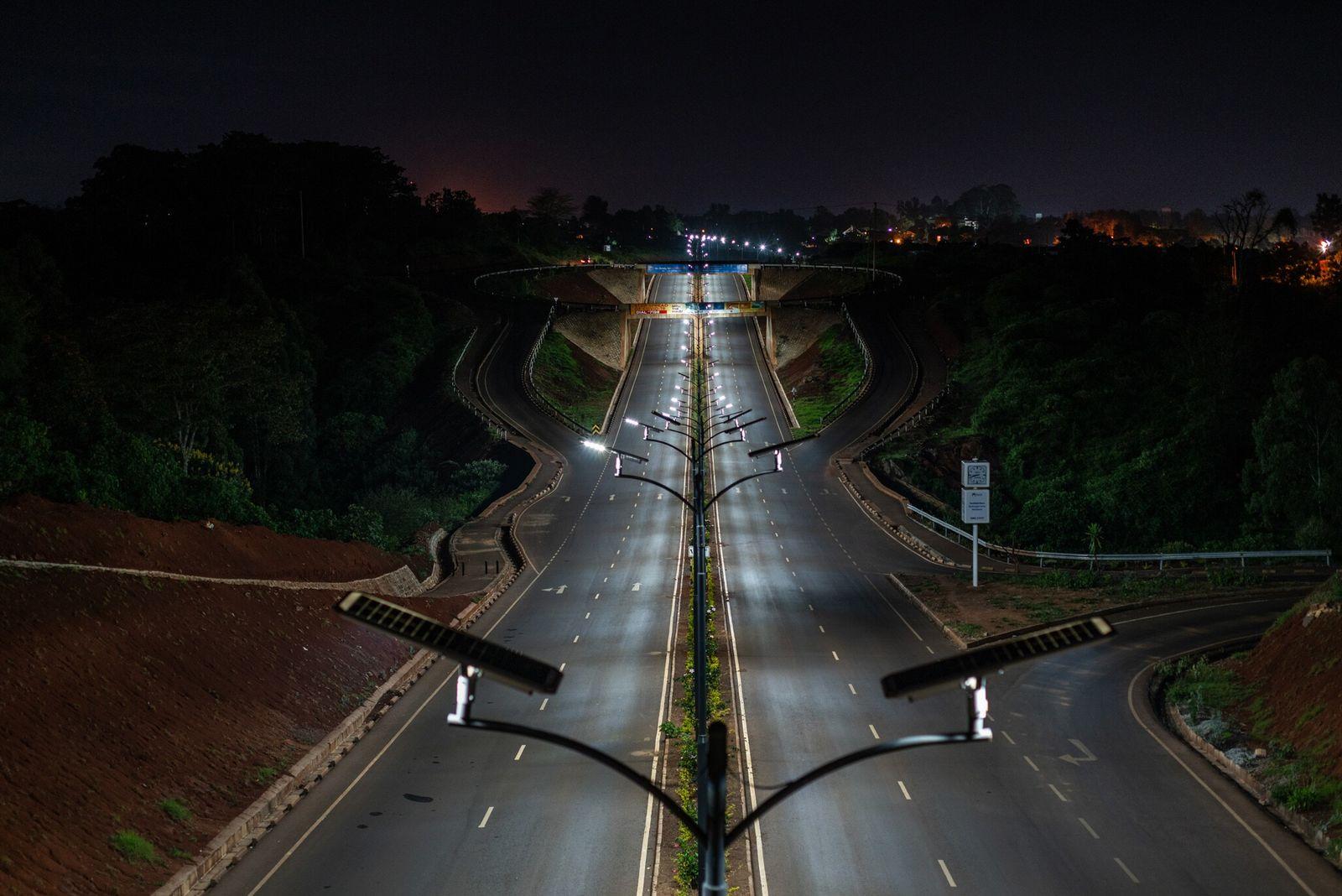 Carretera vacía en el barrio de Kitisuru, Nairobi