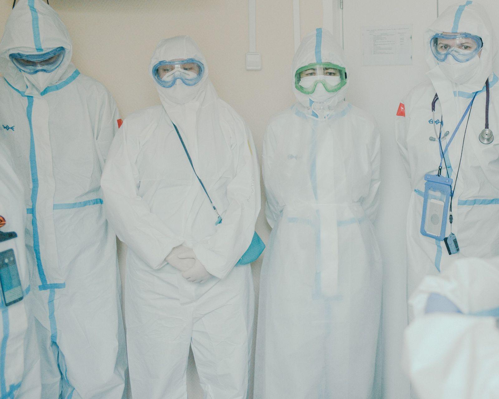 Fotografía de trabajadores sanitarios