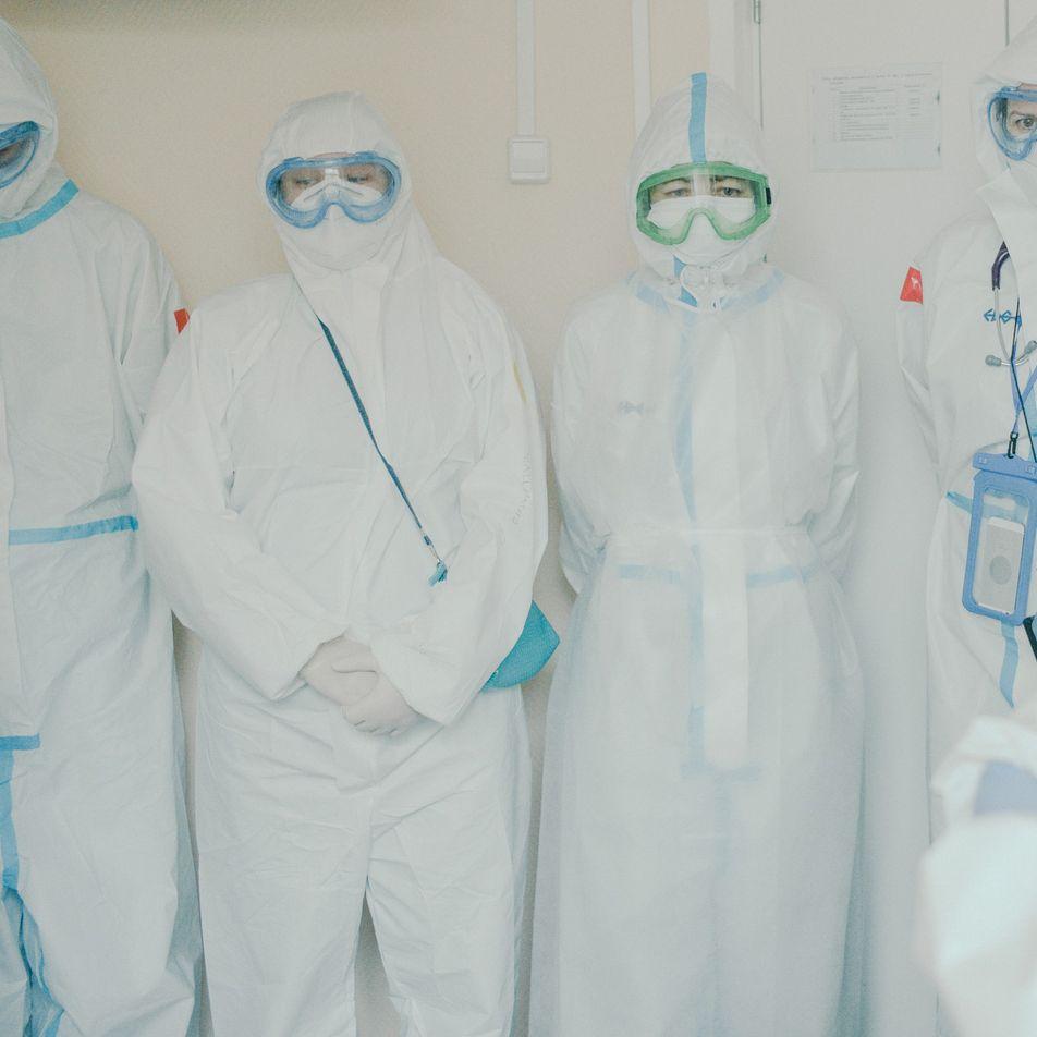 Escenas surrealistas de la batalla de Rusia contra la pandemia