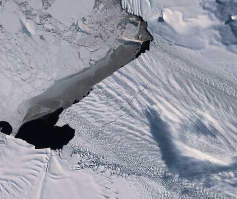 Se desprende un iceberg del glaciar más vulnerable de la Antártida Occidental
