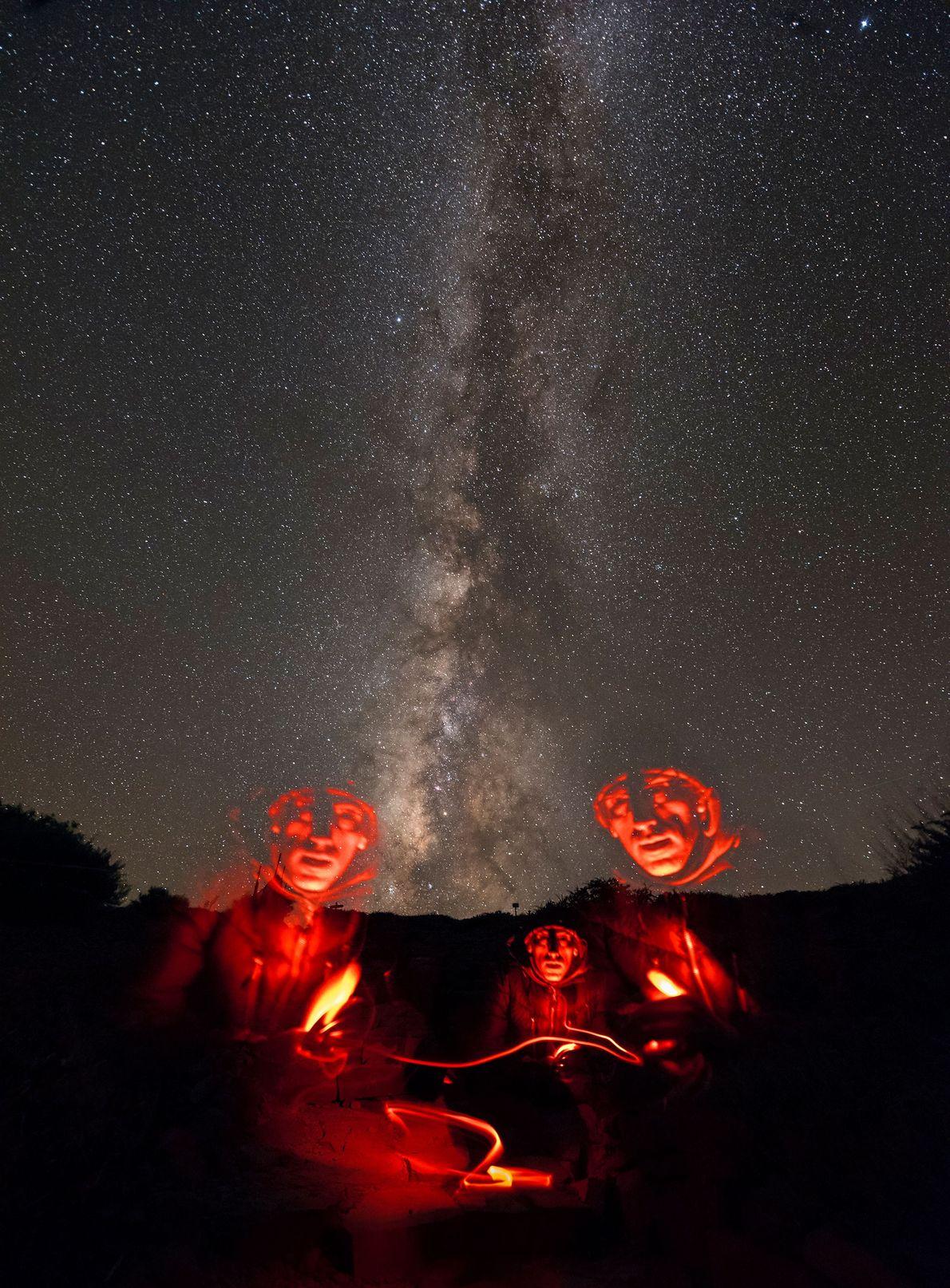 Acampada bajo la Vía Láctea