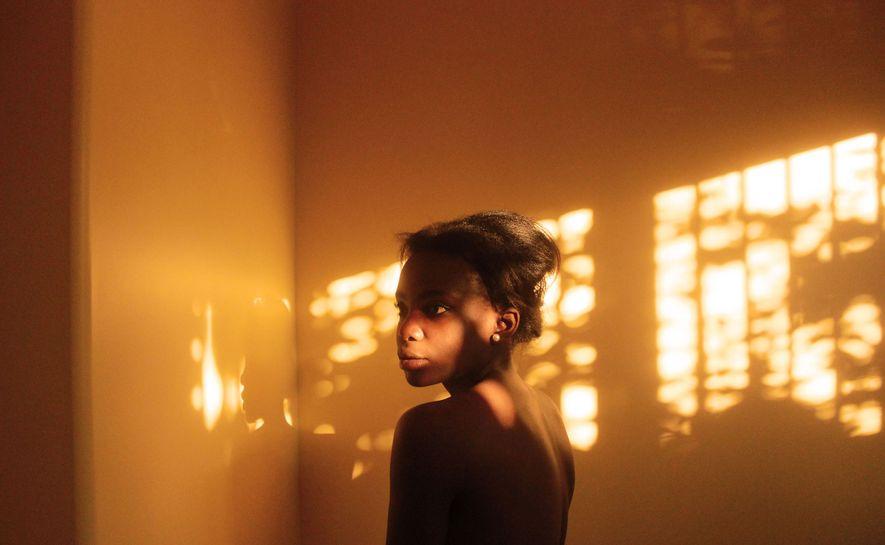 """«Titulé esta foto """"Tactile"""" para una serie fotográfica que representa mi batalla contra la enfermedad de ..."""