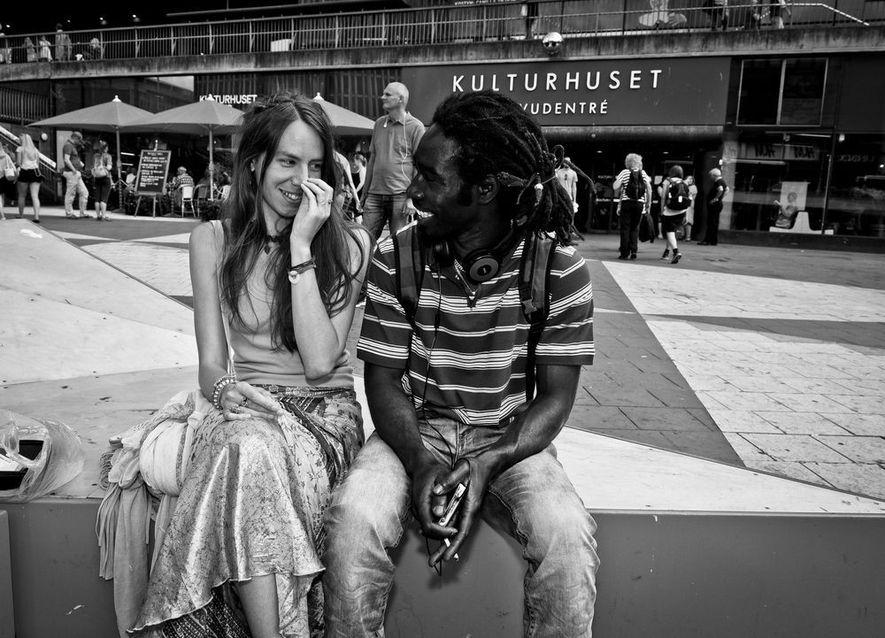 «Conocí a esta pareja en Estocolmo. Se habían conocido hacía poco y todavía se estaban conociendo»̶ ...