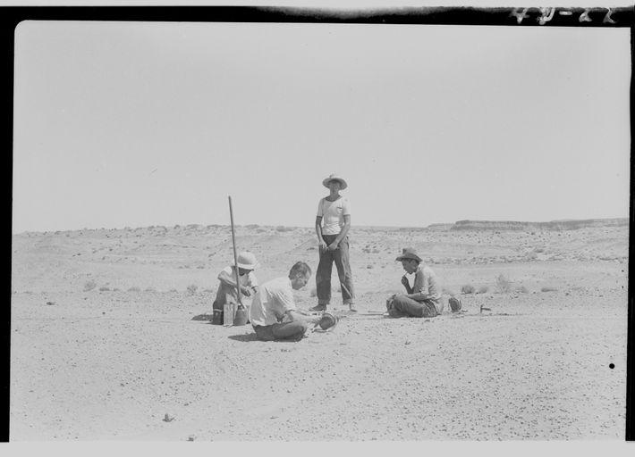 Esta foto muestra una escena de una excavación de 1942 realizada por científicos de UC Berkeley, ...