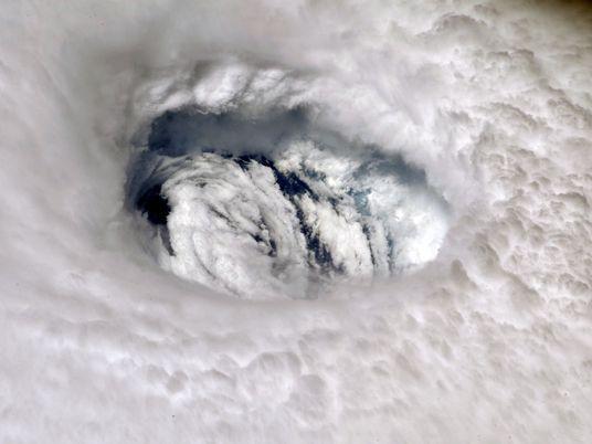 ¿Cómo sobrecarga el calor del agua marina huracanes como Dorian?