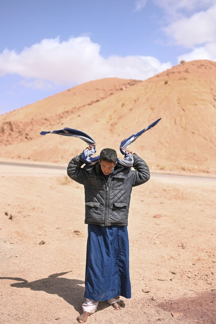 Mohamed Ghonim se ajusta el pañuelo