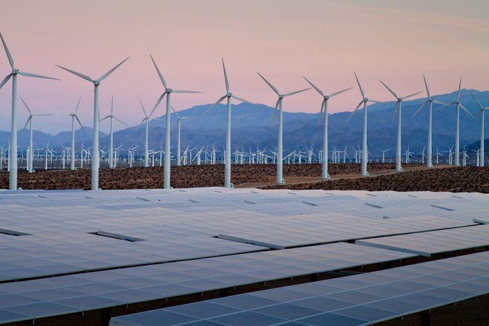 Turbinas eólicas y paneles solares