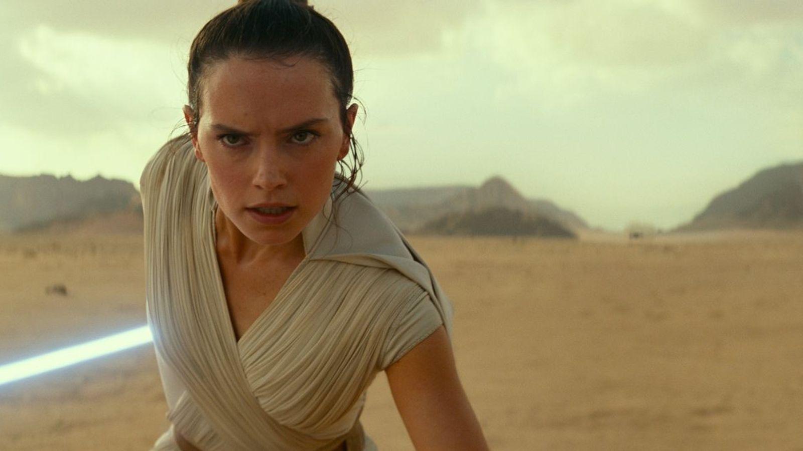 Rey (Daisy Ridley) en una escena de Star Wars: El ascenso de Skywaler. Muchas de las ...
