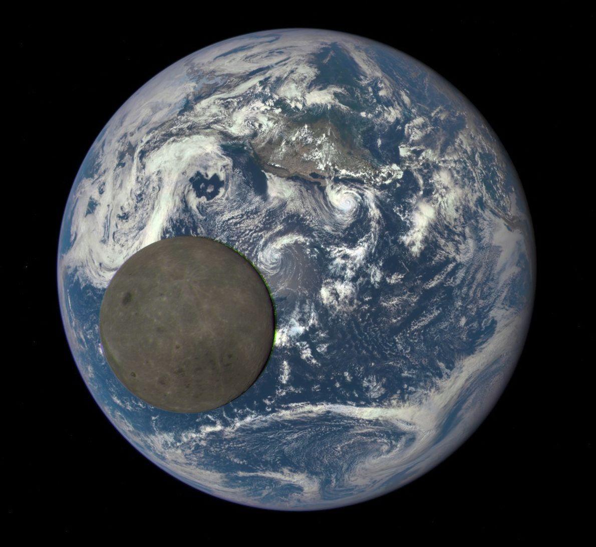 Imagen de la Luna pasando frente a la Tierra