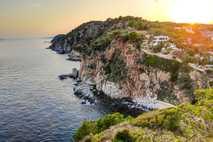 Desde la década de 1930, los pueblos pesqueros comenzaron a ver llegar turistas de todos los ...