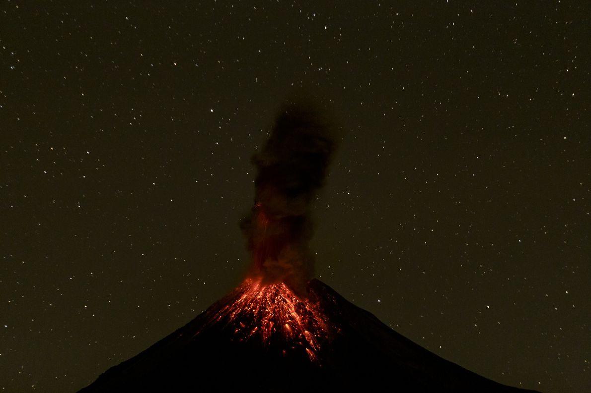 Estos son los momentos de la erupción del volcán de Colima el 13 de diciembre de …