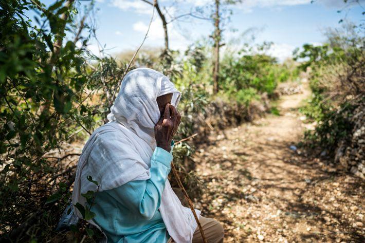 Araya Gebretekle llora por sus cuatro hijos