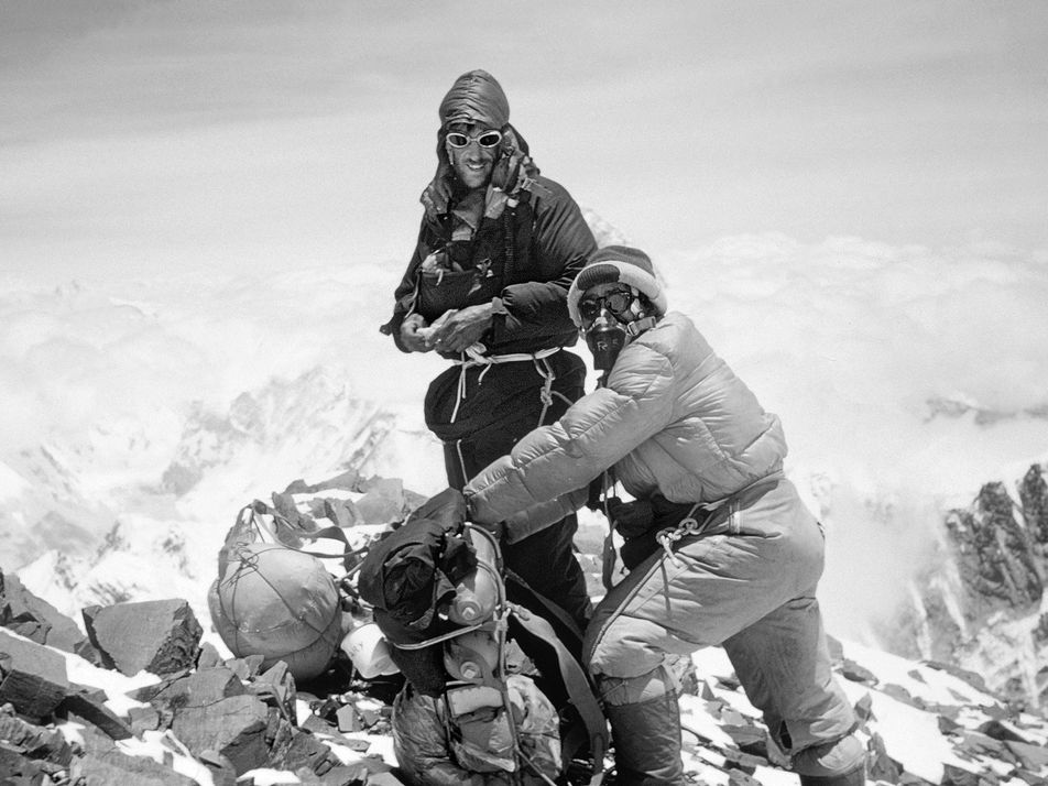 65 años de ascensos al Everest