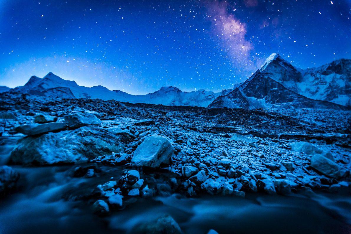 La Vía Láctea sobre el Himalaya