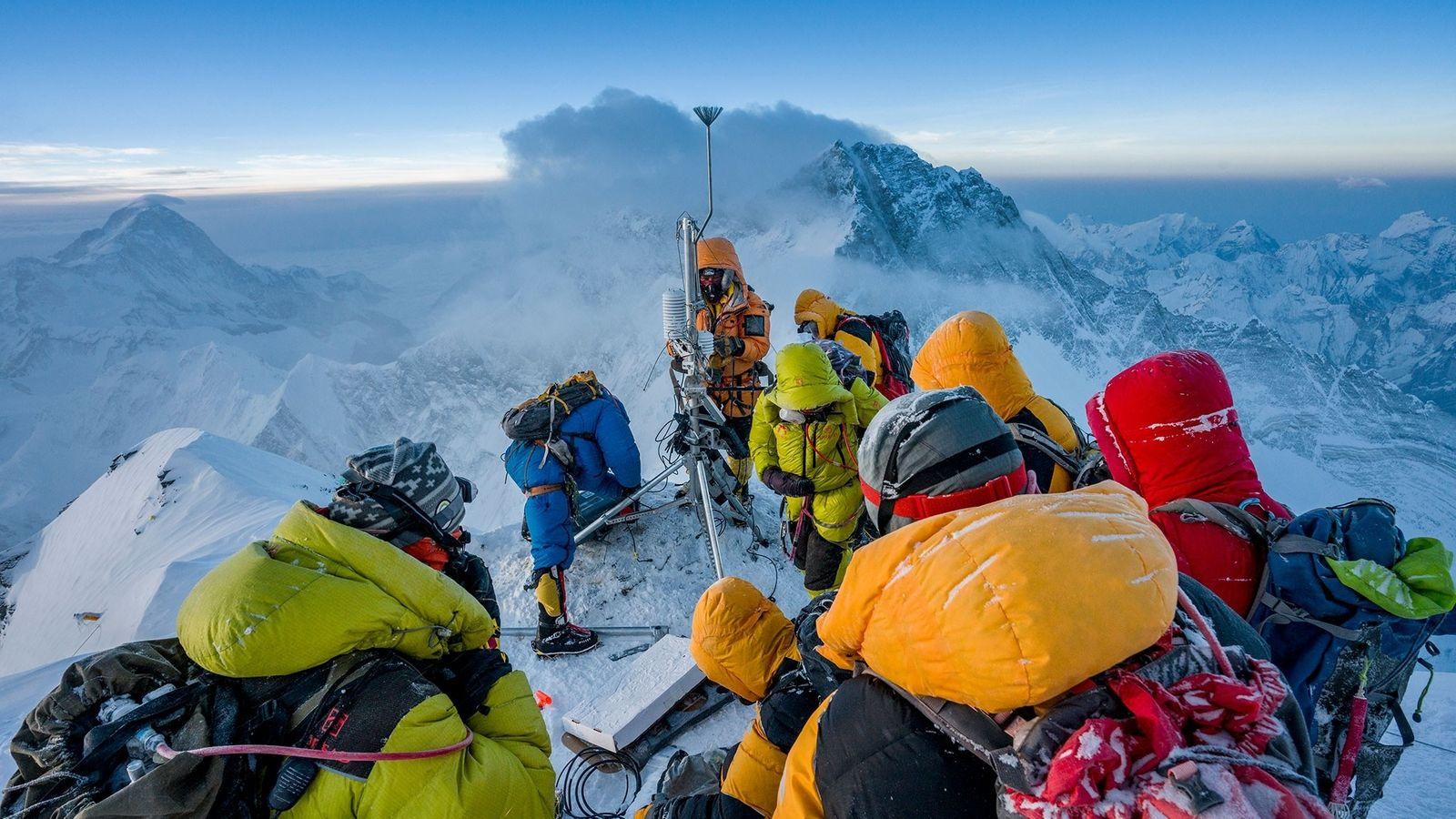 Baker Perry, Tom Matthews y sherpas