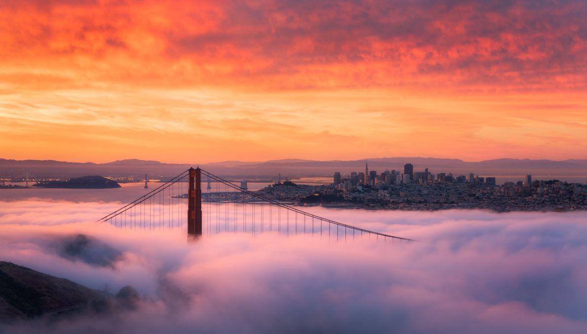 Golden Gate al amanecer