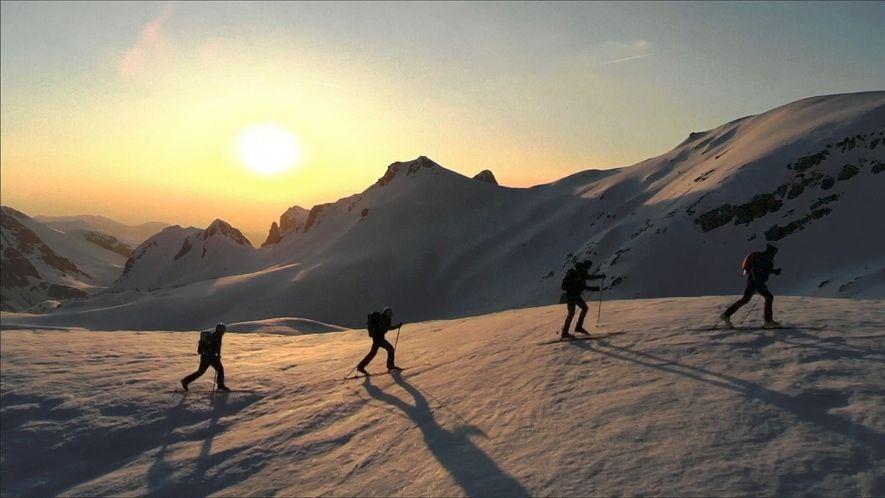 Unos alpinistas baten un récord mundial en la travesía más larga por los Alpes