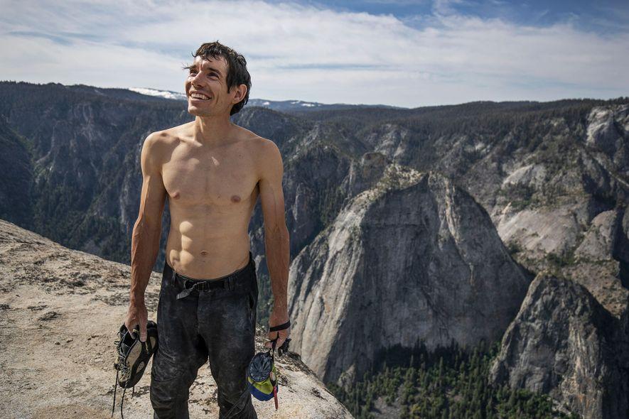 El 3 de junio de 2017, Honnold se convirtió en la primera persona en escalar en ...
