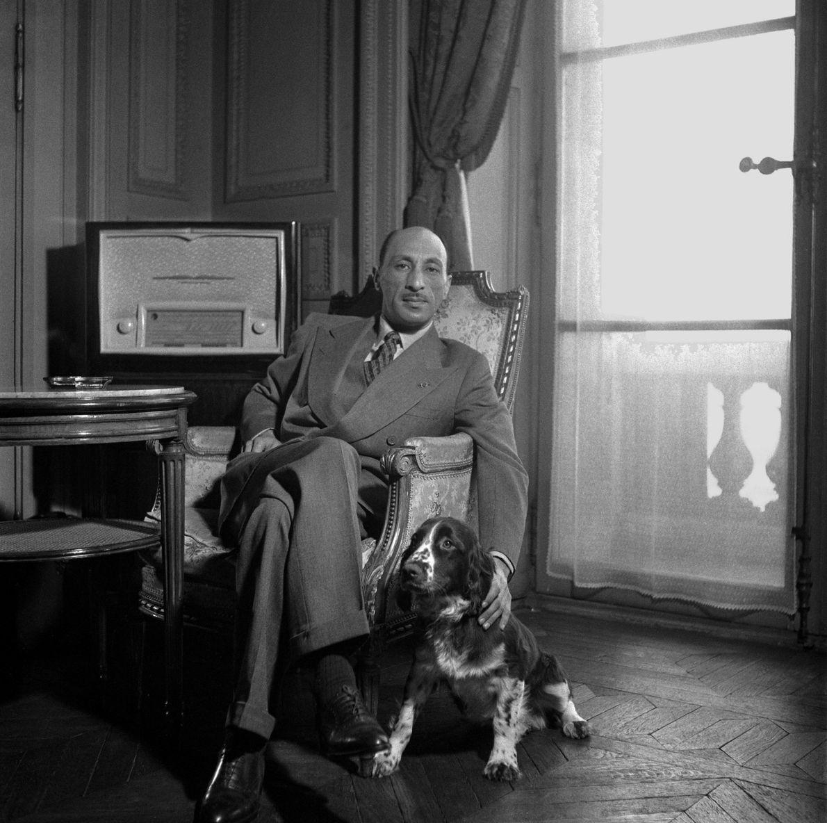 El rey de afganistán Zahir Shah en Francia en 1950