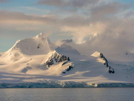 Una nueva forma de medir la nieve caída en la Antártida ayuda a predecir la supervivencia ...