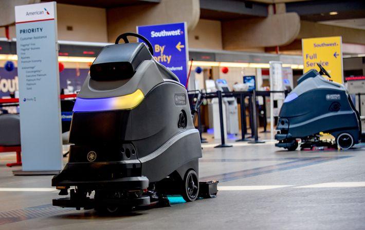 Foto de unos robots limpiando el suelo
