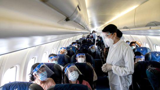 Foto de una auxiliar de vuelo de Buddha Air